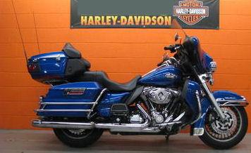 2010 Harley Davidson Ultra Classic FLHTCU w Flame Blue Pearl paint color option