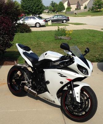 2010 Yamaha YZF-R1 White