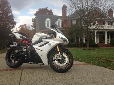 White 2012 TRIUMPH DAYTONA 675R