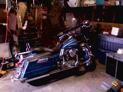 Super Hot Deal Harley Davidson ELECTRA GLIDE in BLUE