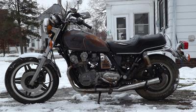 CB900C (rusty, complete)