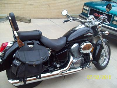 American Classic Edition Honda Shadow 750 (this photo is for example only; please contact seller for pics of the actual motorcycle for sale in this classified)