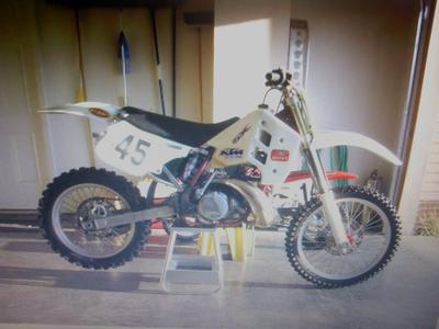 KTM 250 Dirt Bike 2 stroke