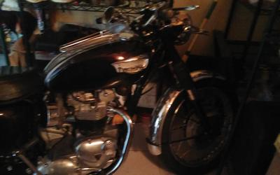 1969 Triumph Bonneville t120 r with custom deep purple paint job on tank and side covers