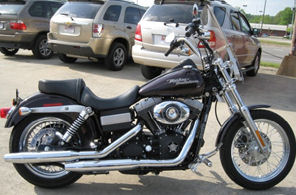 burgundy 2007 harley davidson street bob motorcycle