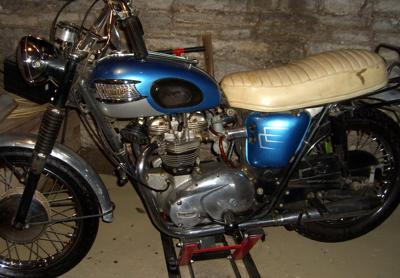 1965 TRIUMPH BONNEVILLE 650  T120