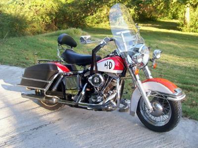 Side View 1973 Harley Shovelhead FLH Classic