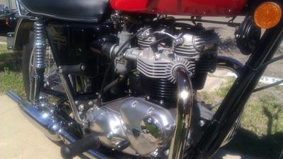 1973 Triumph Bonneville 750 T140v Motorcycle Engine