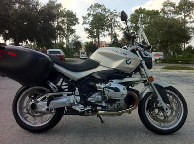 Custom Built 1974 Honda Cafe CB750 Racer Racing Motorcycle