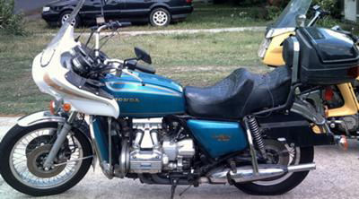Blue 1975 honda goldwing