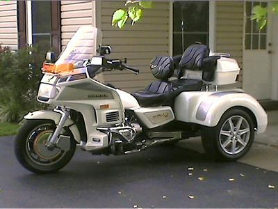 1986 Goldwing Aspencade Trike Motorcycle with Custom Pearl White paint with Platinum Silver Accents