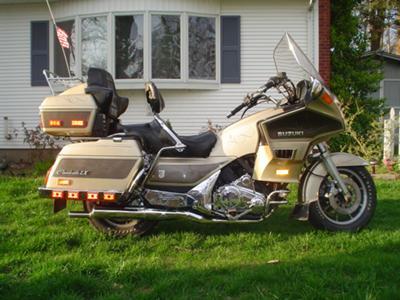 1986 SUZUKI CAVALCADE LX TOURING MOTORCYCLE