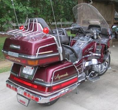 1989 GL1500 Honda Goldwing in Wineberry Burgundy Red (this photo is for example only; please contact seller for pics of the actual motorcycle for sale in this classified)