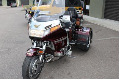 1989 Honda Goldwing Aspencade Trike GL1500 for sale by owner in Seattle WA Washington