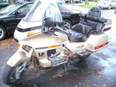 1991 HONDA GOLDWING INTERSTATE 1500 CC ANIVERSARY EDITION (not the one for sale in the ad)