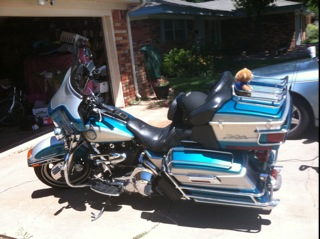 1995 Harley Davidson Ultra Classic Blue and Silver LED Lights
