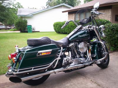 1997 Harley Davidson Road King with black paint color option