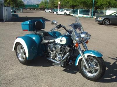 THIS BLUE and WHITE 2001 CUSTOM HARLEY DAVIDSON SOFTAIL FATBOY TRIKE FOR SALE BY OWNER IS ONE SWEET RIDE