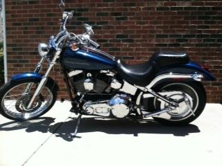 2001 Harley Davidson Softail Deuce FXSTD w metallic blue paint color