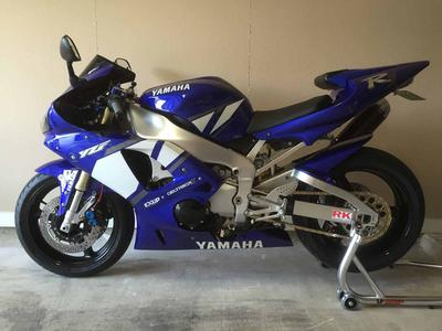 Blue 2001 Yamaha YZF-R for sale by owner