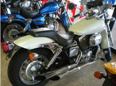2003 HONDA SHADOW Spirit 750 w White Paint Color
