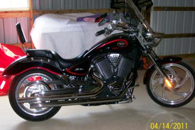 Red 2004 Victory Vegas w Arlen Ness package, Bub exhaust