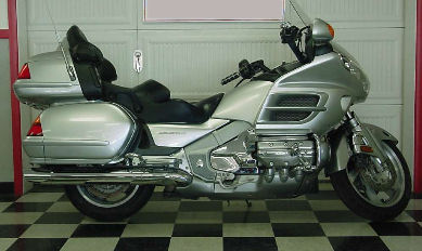 2005 30th Anniversary Edition Honda Goldwing GL1800 w Metallic Silver Paint Color Option