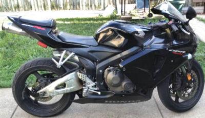 Black 2005 Honda CBR600rr