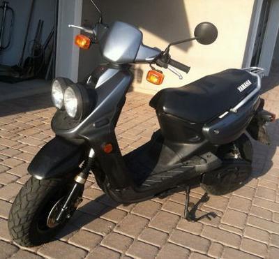 2005 Yamaha Zuma 49cc Scooter