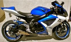 Royal Cobalt Blue And White 2007 Suzuki GSXR