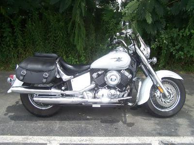 White Pearl 2007 Yamaha 650 Vstar V Star Classic