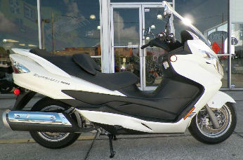 2011 Suzuki Burgman 400 ABS w white paint color option
