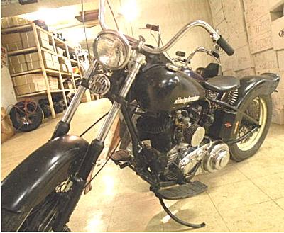 Custom 1951 Harley Davidson Flathead Bobber rigid hardtail w a 750 cc motor and a three speed kick start