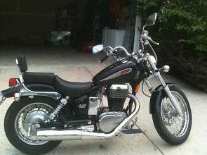 black 2003 Suzuki Savage 650 cc