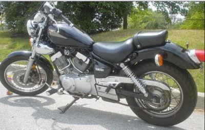 Black 2006 Yahamha Virago 250
