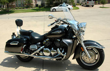 Raven Black and Gray 2005 Yamaha Royal Star 1300cc tour deluxe motorcycle cruiser picture