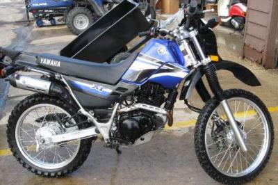 2005 Yamaha XT225 Dirt Bike